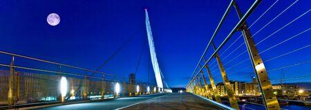 swanseas sail bridge at night Zdjęcie Seryjne