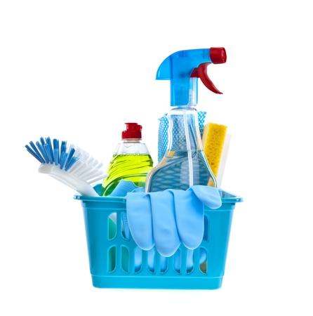 Assortiment de produits de nettoyage sur fond blanc Banque d'images
