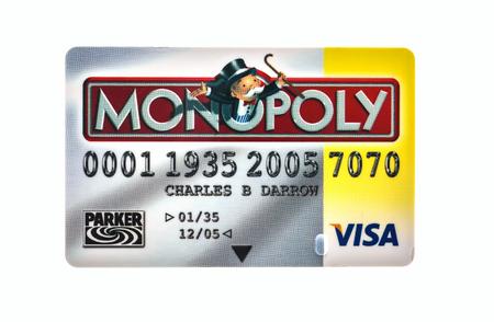 tarjeta visa: Swindon, Reino Unido - 18 de diciembre 2014: Tarjeta de crédito Monopoly El clásico juego de intercambio de Parker Brothers fue introducido por primera vez a Estados Unidos en 1935.