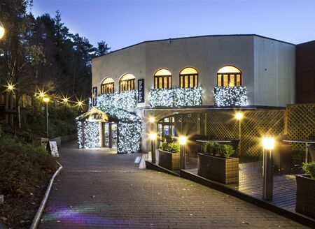 SWINDON UK - 14 NOVEMBRE 2017: Restaurant Bella Italia dans Center Parcs Longleat à l'aube