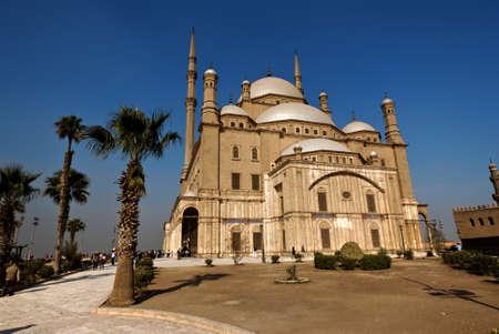 the citadel: Esterno della moschea al Cairo Muhammad Ali