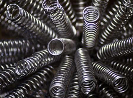 spirale: ein Close Up mehrere Metall Federn Lizenzfreie Bilder