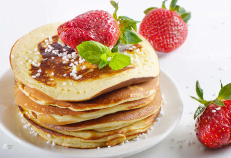 pancakes with strawberries Stock Photo - 12984647