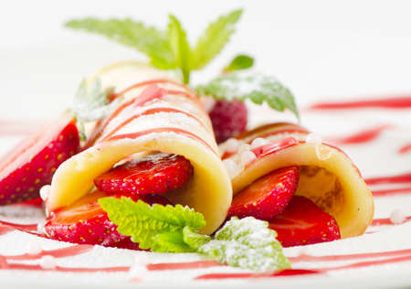 pancakes with strawberries photo