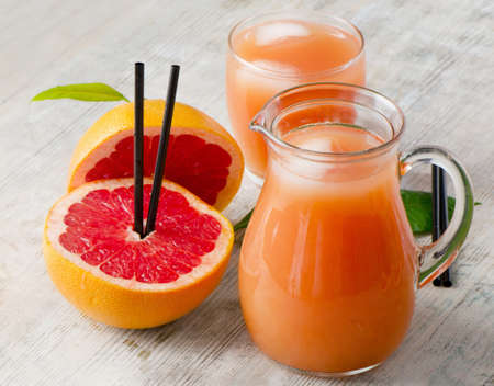 pomelo: Comida sana - jugo de toronja y de pomelo