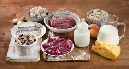 비타민 B12 (코발라민) 최고급 식품. 건강한 식단.