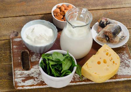 칼슘의 음식 근원. 건강한 식생활. 스톡 콘텐츠