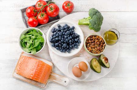 Los alimentos saludables para el cerebro. Concepto. Vista superior Foto de archivo