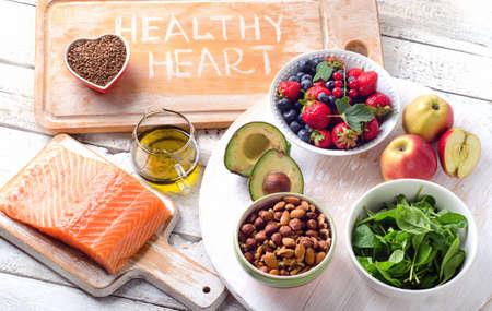 Meilleurs aliments pour le coeur. Régime équilibré. Vue de dessus Banque d'images