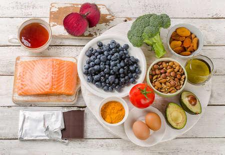 두뇌를위한 최고의 음식. 건강 한 다이어트 개념입니다. 평면도