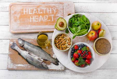 comida rica: La comida es buena para el corazón sano. Vista superior