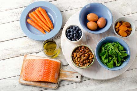 frutas secas: Alimentos para una visión saludable. Concepto. Vista superior