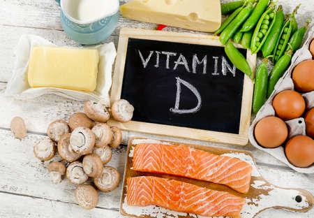Los alimentos ricos en vitamina D. alimentación saludable Foto de archivo