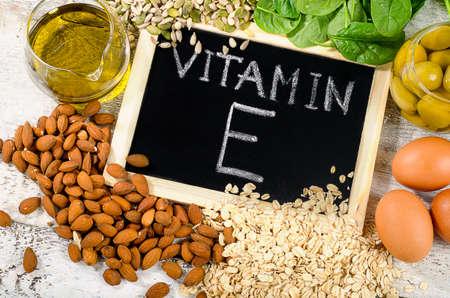 Voedingsmiddelen rijk aan vitamine E. Plat leggen Stockfoto