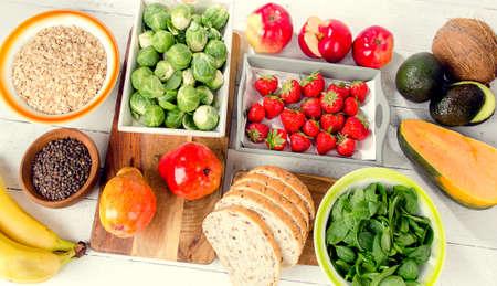 고 섬유질 음식. 건강 한 다이어트 음식입니다. 평평한 평신도.