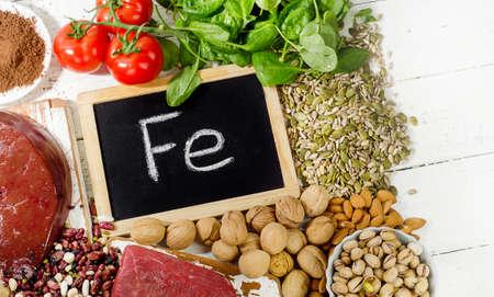 Prodotti contenenti ferro. Dieta dieta sana. Vista dall'alto Archivio Fotografico