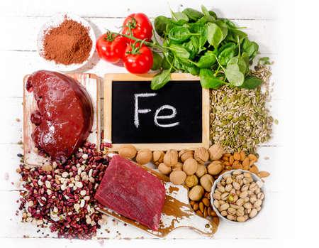 철분이 함유 된 제품. 건강한 식습관 개념. 톱보기