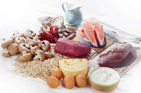 비타민 B12 (코발라민)의 음식. 건강 한 다이어트를 먹고입니다.