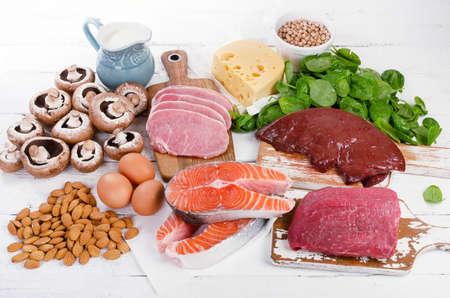 천연 비타민 B2가 가장 많은 식품. 건강한 식생활. 위에서 본 스톡 콘텐츠