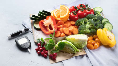 Low glycemic healthy foods for diabetic diet. Food with foods high in vitamins, minerals, antioxidants, smart carbohydrates. Archivio Fotografico