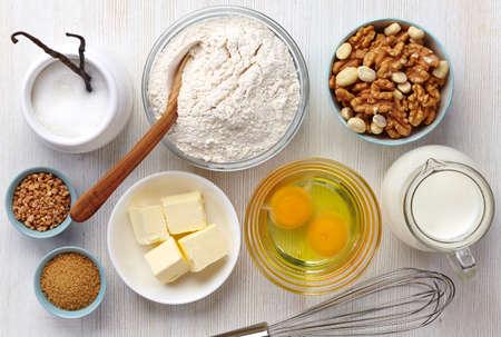 Ingrediënten voor het bakken van taart