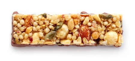 barra de bar: Barra de granola con el chocolate aislado en el fondo blanco Foto de archivo