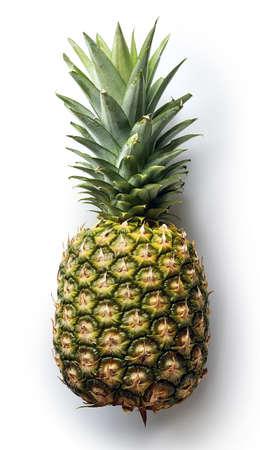 Ananas op witte achtergrond van hoogste mening wordt geïsoleerd die
