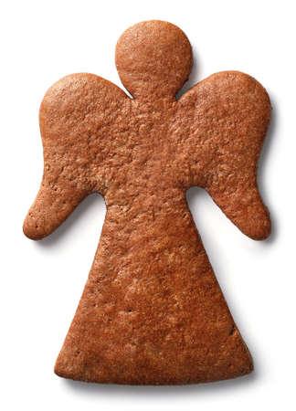 천사 모양의 진저 쿠키 흰색 배경에 고립 된