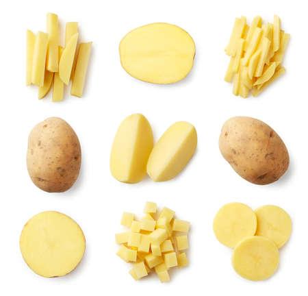 Set di patate fresche intere e affettate isolate su sfondo bianco. Vista dall'alto