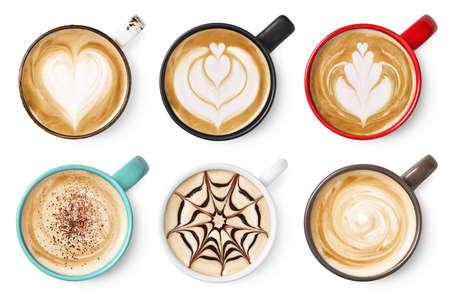 Conjunto de seis varios arte de espuma de café con leche o capuchino aislado en blanco