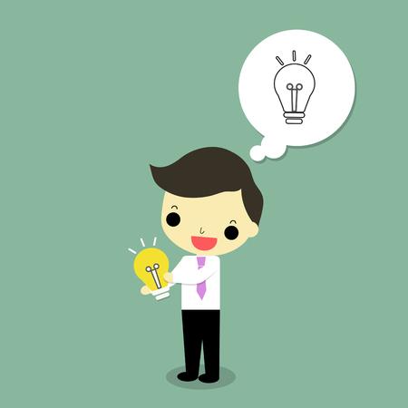 ビジネスマンは、緑の背景に幸せな感情で電球を抱っこ。