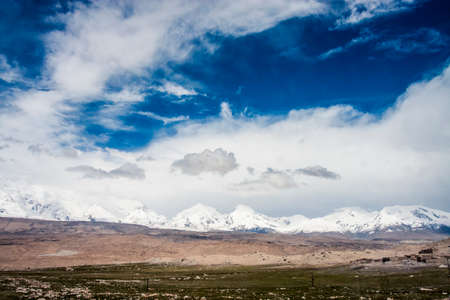 xinjiang: View of the Karakoram mountain range in northern Pakistan and western China