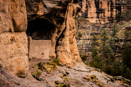 Gila Cliff Dwellings, built by Native Americans in New Mexico Reklamní fotografie