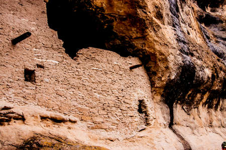 Gila Cliff Dwellings, built by Native Americans in New Mexico Redakční