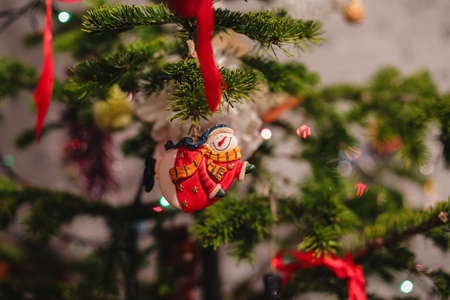 new year eve beads: Decorated Christmas tree on  blurred, sparkling and fairy background