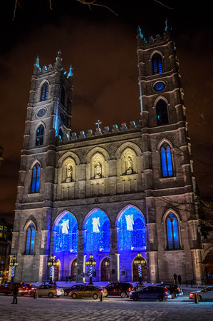 The Notre-Dame Basilica of Montreal with Christmas Decoration 版權商用圖片