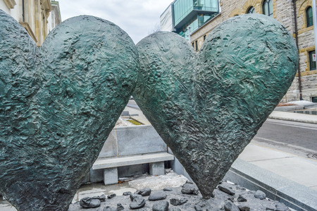 dine: The iconic sculpture of Twin 6 Hearts by Jim Dine Outside the Montreal Museum of Fine Arts Editorial