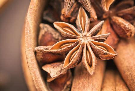clove: Clove and cinnamon closeup. Traditional Christmas spices