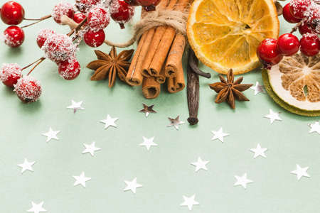 epices: Sweets cannelle, vanille, fruits secs et les clous de girofle. épices traditionnelles de Noël