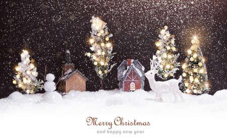 Winterlandschaft mit Reh und Schnee. Weihnachten Hintergrund