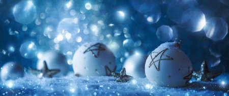Winter decorations with sparkling snow Lizenzfreie Bilder