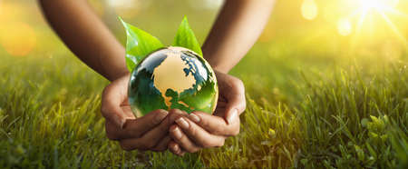 Green Planet in Your Hands. Save Earth. Environment Concept Stockfoto