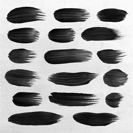 paintbrush spray: Vector hand drawn paint stains grunge set Illustration