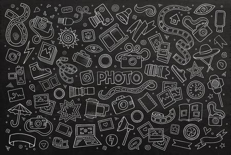 Macchina fotografica: Mano lavagna drawn set cartone animato Doodle di oggetti e simboli sul tema foto