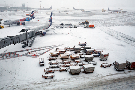 MOSCOW/ RUSSIA - DECEMBER 26, 2017. The flying field in the winter. Sheremetyevo Airport, Moscow, Russia. 報道画像