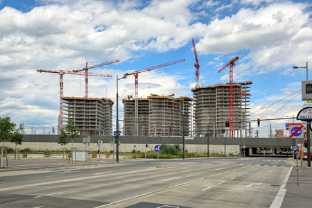 VIENNA, AUSTRIA - JULY 12, 2017. Construction site of the new residential development Parkapartments am Belvedere in the center of Vienna, Austria. Redactioneel