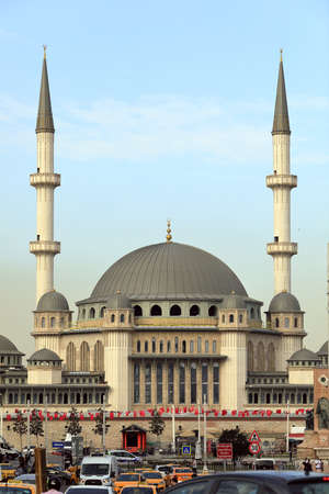 ISTANBUL, TURKEY - OCTOBER 07, 2020. Newly built Taksim Mosque at the famous Taksim Square. Beyoglu neighborhood, city of Istambul, Turkey. 報道画像