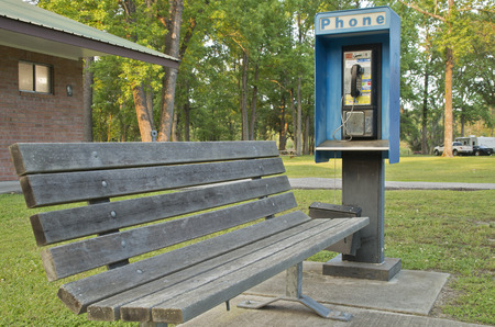 A fully functioning pay phone in a campground in Charleston South Carolina Stockfoto