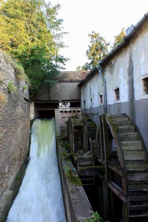 molino de agua: Antiguo molino de agua