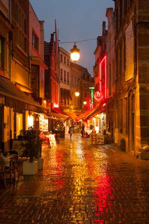 bruxelles: evening walking street in Bruxelles